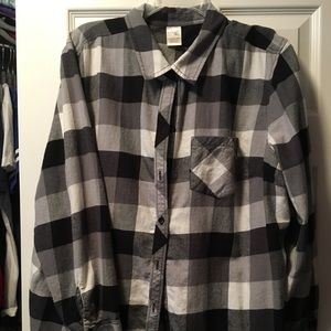 Tops - L/S flannel button up